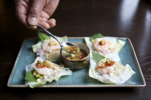 PRAWN AND LETTUCE CUPS - paleo